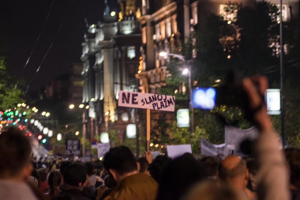 http://www.donaustroom.eu/wp-content/uploads/2017/04/protest_neslanojplazmi.png