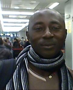 Duncan op het vliegveld, de terugweg naar huis (november 2013)